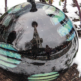 by Mike Gardner - Artistic Objects Glass