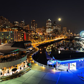 Seattle skyline and Supermoon by Peter Cheung - City,  Street & Park  Skylines ( washington, skyline, seattle, waterfront, supermoon, Urban, City, Lifestyle )