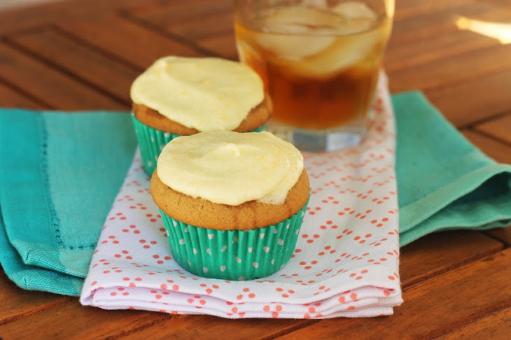 Vanilla Bourbon Cupcakes with Peach Buttercream Recipe | Yummly