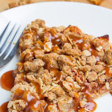 Apple Crisp Pizza with Caramel Sauce