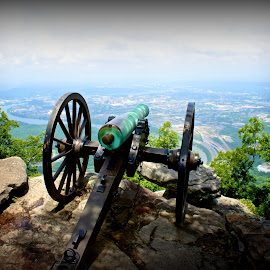 Lookout Mountain Battlefield  by Michael Gonzalez - Buildings & Architecture Statues & Monuments ( battlefield, national park, lookout mountain, civil war, tennessee, georgia, cannon )