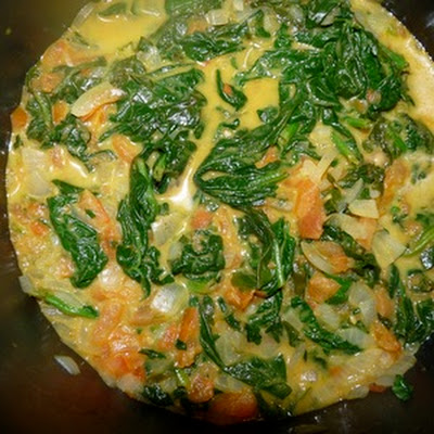 CURRIED SPINACH AND PEANUT BUTTER