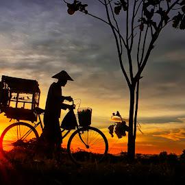 bakul manuk emprit by Wartono Kumpulono - Transportation Bicycles
