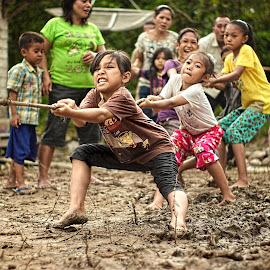 tug of war by Yudha Aja - Babies & Children Children Candids