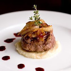 Stilton Crusted Fillet Steaks with Port Wine Sauce