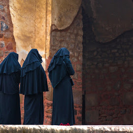 Three Worshippers II by Richard Duerksen - People Street & Candids ( worshippers, mosque, humayun's tomb, delhi )