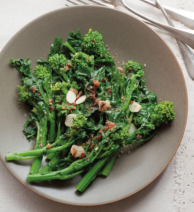 Broccoli Rabe with Garlic and Anchovies Recipe | Yummly
