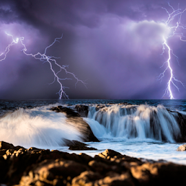 Dunsborough Lightning storm by Craig Eccles - News & Events Weather & Storms ( thunder, lightning strike, lightning storm, news, sea, ocean, beach, storm, lightning, lightning bolt, sky, event, thunder and lightning, weather, thunder storm, thunder bolt )