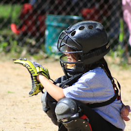 Catching by Rick Touhey - Sports & Fitness Baseball ( catcher, softball, pitching )