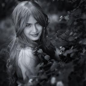 by Edo Slamet - Black & White Portraits & People