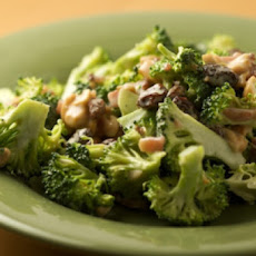Broccoli Salad with Bacon and Raisins