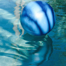 Ball reflection relaxation  by Colette Edwards - Digital Art Things (  )