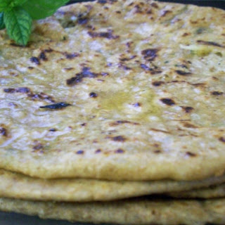 Indian Stuffed Cauliflower Chappati (Gobi ka Paratha)