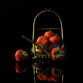 Strawberries by Patrizia Sapia - Food & Drink Fruits & Vegetables ( frutta, fragole, still life, cibo,  )