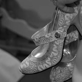 by Emma Osborne - Wedding Getting Ready