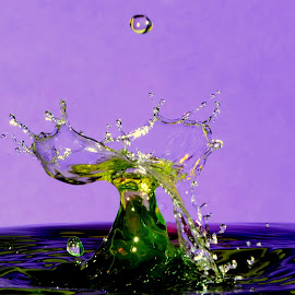 Water splash by Fred Øie - Abstract Patterns ( abstract )