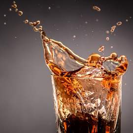 Splash of Makers by Stefan Roberts - Food & Drink Alcohol & Drinks ( bourbon, whiskey, splash, alcohol, glass, maker's mark )