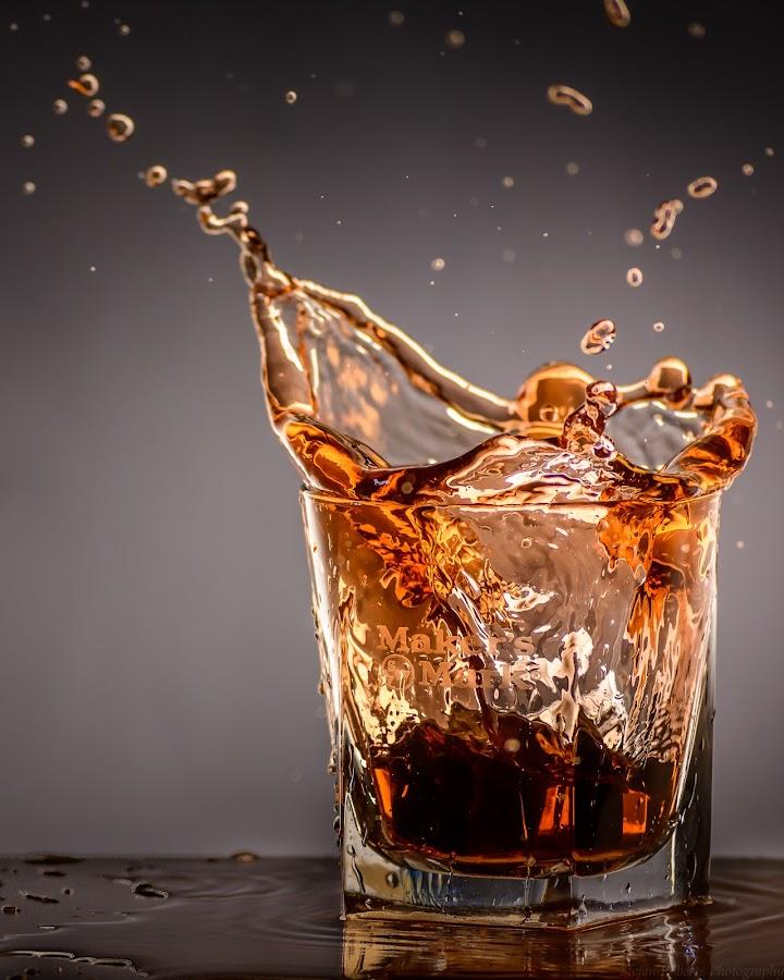 Splash of Makers by Stefan Roberts - Food & Drink Alcohol & Drinks ( bourbon, whiskey, splash, alcohol, glass, maker's mark )