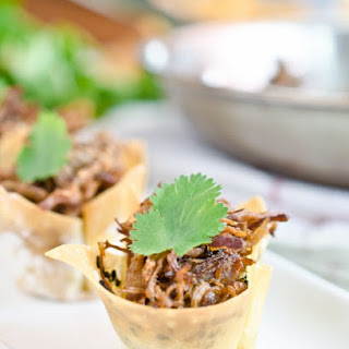 Thai Coconut Beef in Crispy Wonton Cups