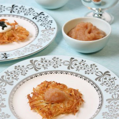 Pink Applesauce for Potato Latkes