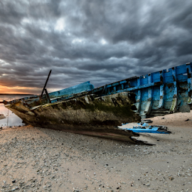 Wreck vs Cloud by Wisnu Taranninggrat - Landscapes Sunsets & Sunrises ( bali, sky, 2014, wreck, visit years, nusa penida, nikon )