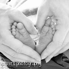 Love  by Stephanie Maxwell - Babies & Children Hands & Feet