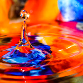 by Deven Dadbhawala - Abstract Water Drops & Splashes