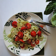 Farfalle With Tomato And Pesto