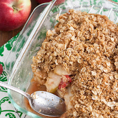 Whole Grain Apple-Raspberry Oat Crumble