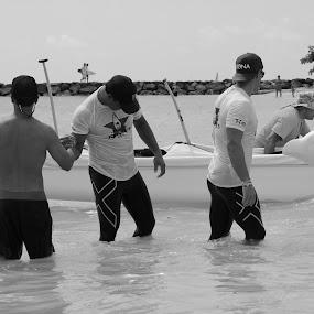 Molokai Hoe canoe race by Michael Guerrero - Black & White Portraits & People
