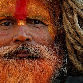 Sadhu.Pashupatinath, Nepal. 25.12.2011 by Helmut Schadt - People Portraits of Men (  )