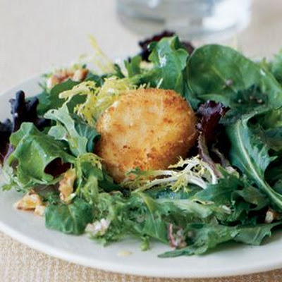 Goat Cheese and Mesclun Salad