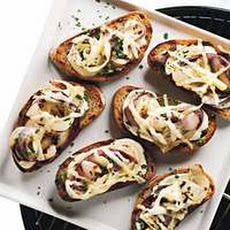 Creamy Grilled Onion Crostini