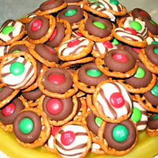 Easy, Festive Chocolate Holiday Pretzels