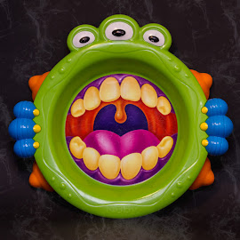 The monster plate by Arti Fakts - Artistic Objects Cups, Plates & Utensils ( artifakts,  )