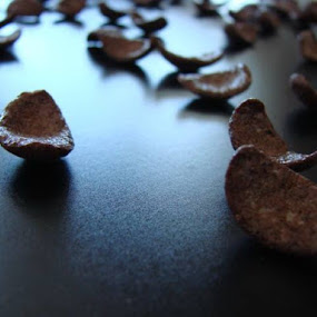 Chocolate Chips by Nat Bolfan-Stosic - Uncategorized All Uncategorized ( chips, chocolate, sweet, food, world )