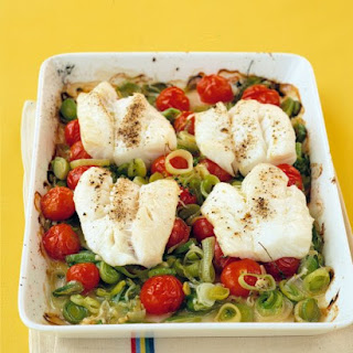 Cod With Leeks and Tomatoes