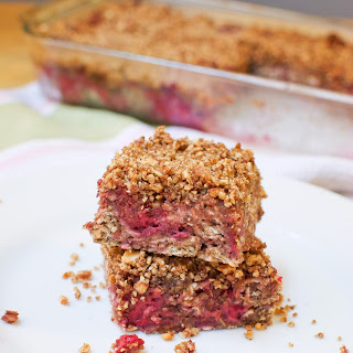 Raspberry-Almond Baked Oatmeal with Healthy Streusel Topping (vegan, GF)