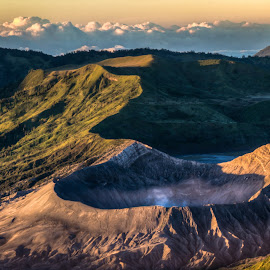 Gunung Bromo by Thierry Matsaert - Landscapes Mountains & Hills ( indonesia, vulcano, sunrise, travel, bromo,  )