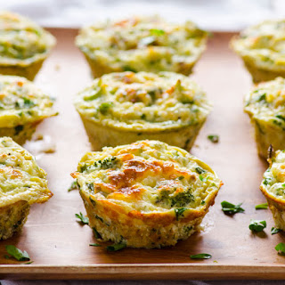 Healthy Breakfast Quinoa and Broccoli Egg Muffins