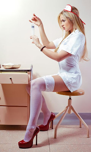 фото медсестры в чулках