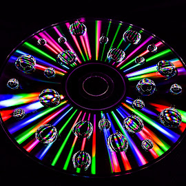 Ligth Painted on a CD through a Off Camera Flash.  by Abhishek Mittal - Abstract Light Painting