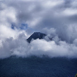 by Jose Figueiredo - Landscapes Mountains & Hills ( clouds, mountain, norway )