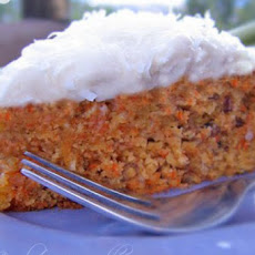 Lovely and classic gluten-free carrot cake