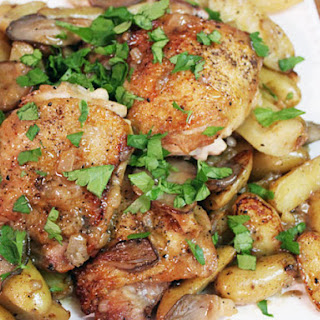 Skillet Chicken with Potatoes and Mushrooms