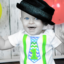 Birthday Boy by Kara Wuebbenhorst Prince - Babies & Children Child Portraits ( birthday, blueeyes, one, balloons, smiles )