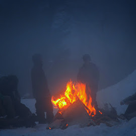 Around the fire by Μανος Μανος - People Group/Corporate ( winter, cold, manos manos, people, fire )