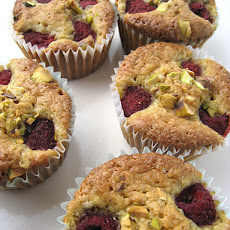 Pistachio and Raspberry Cupcakes (from Martha Stewart Living, Feb 2009)