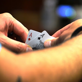 Winning hand by Dee Schindler VanBilliard - Artistic Objects Other Objects