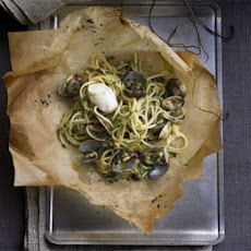 Spaghetti Vongole In Parchment With Aïoli